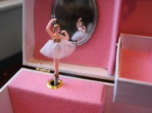 music-box-ballerina